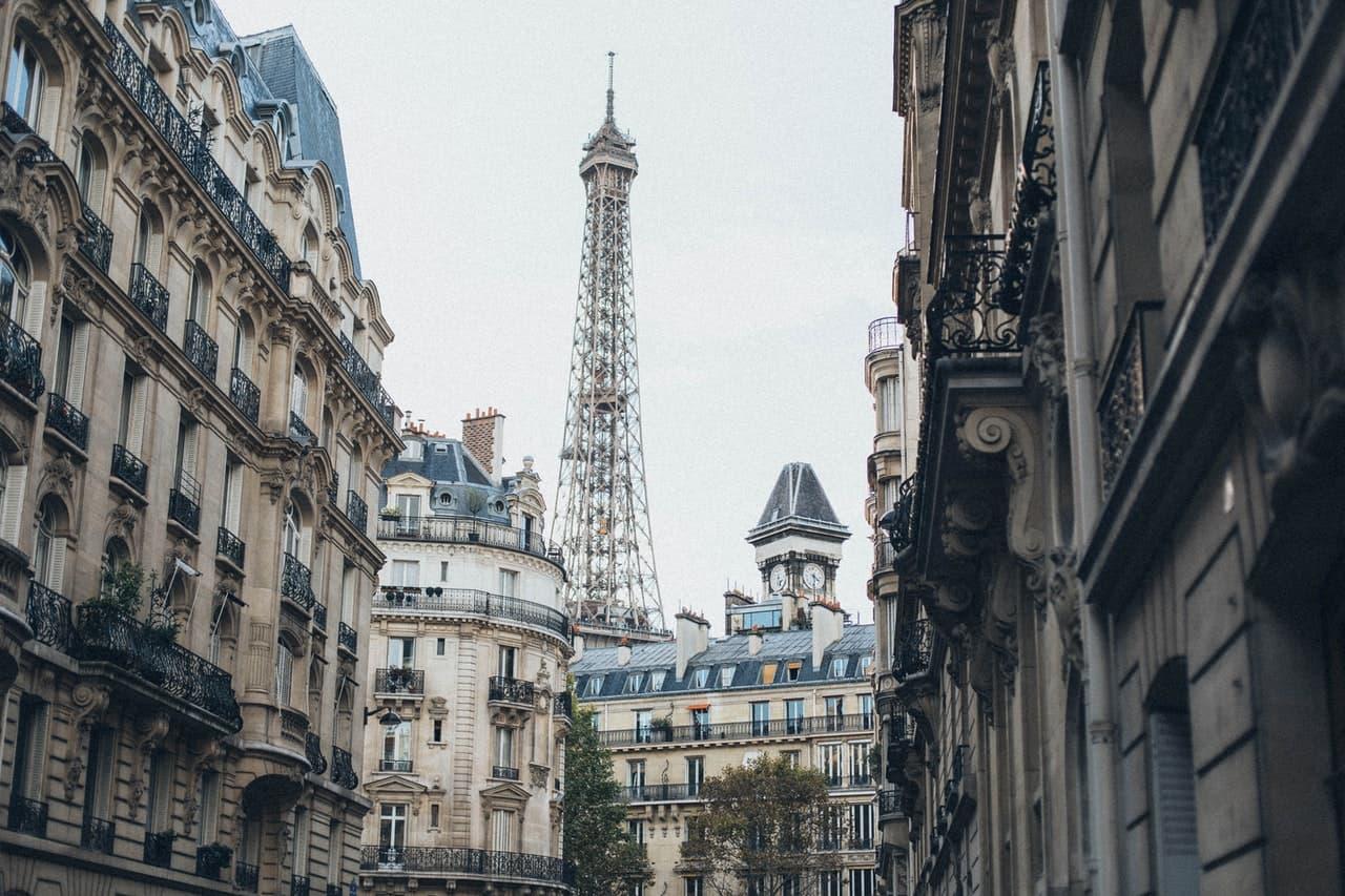 biens immobiliers à proximité de la tour Eiffel à Paris