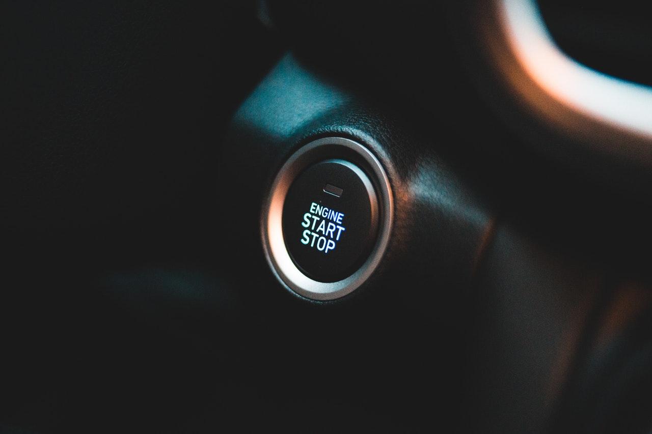 bouton pour démarrer une voiture